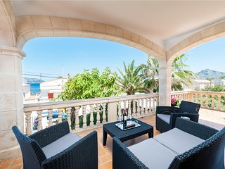 Spacious apartment a short walk away (282 m) from the 'Playa Es Barcares' in Alc