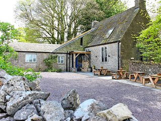 Lumley Fee Bunkhouse - A former schoolhouse, now a creative and charming propert