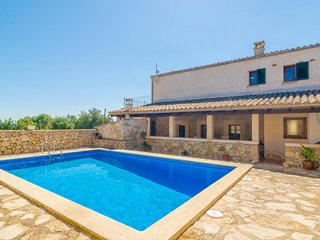 Spacious villa in Sant Joan with Parking, Internet, Washing machine, Pool