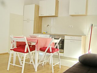 Cozy apartment in the center of Polače with Parking, Internet, Air conditioning,