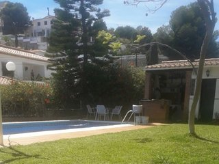 Spacious apartment close to the center of Almuñécar with Parking, Internet, Wash