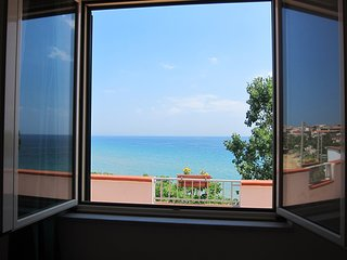 Spacious apartment in the center of Capo Rizzuto with Washing machine, Terrace