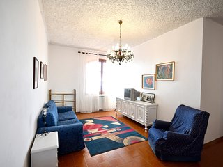 Spacious villa in the center of Milazzo with Parking, Internet, Washing machine,