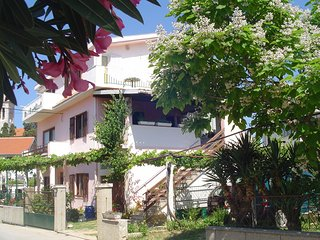 Cozy apartment in the center of Pakostane with Parking, Internet, Balcony, Terra