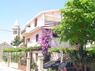 Spacious apartment in the center of Pakostane with Parking, Internet, Balcony, T