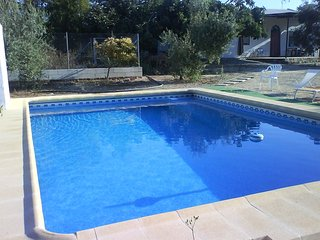 Spacious house in Palma del Rio with Parking, Internet, Washing machine, Air con