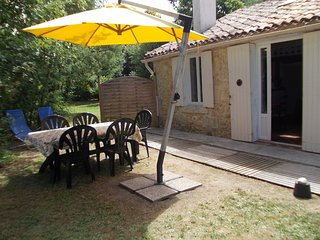 Cozy house in Saint-Germain-d'Esteuil with Parking, Internet, Washing machine, T