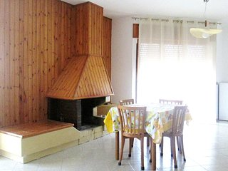 Spacious apartment in Velina with Parking, Internet, Balcony, Terrace