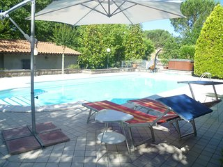 Spacious villa in Tuoro Sul Trasimeno with Parking, Internet, Washing machine, A