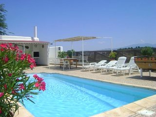 Spacious villa in Freila with Parking, Internet, Washing machine, Pool