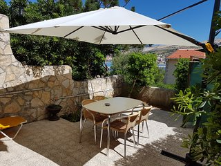 Cozy apartment in the center of Pag with Parking, Internet, Air conditioning, Ga