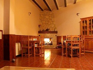 Spacious apartment in Alobras with Parking, Internet, Balcony, Terrace