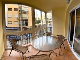 Spacious apartment in the center of Fuengirola with Internet, Washing machine, A