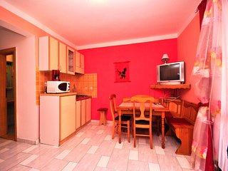 Cozy apartment close to the center of Fažana with Parking, Internet, Air conditi