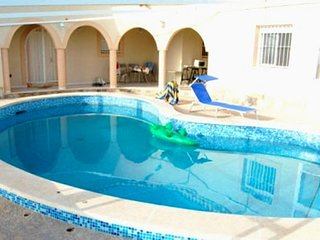 Spacious house close to the center of Torrevieja with Parking, Internet, Washing