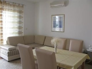 Cozy apartment close to the center of Barbat with Parking, Internet, Air conditi