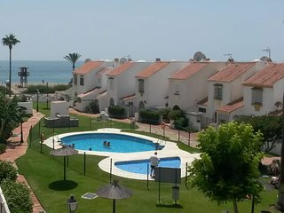 Spacious house in the center of Marina de Casares with Parking, Internet, Washin