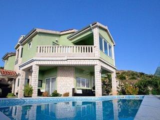 Spacious house in Primošten Burnji with Parking, Internet, Washing machine, Air