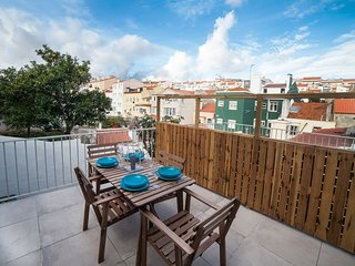 Spacious apartment very close to the centre of Lisbon with Internet, Washing mac