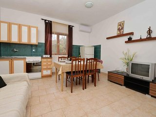 Spacious apartment in Sibenik with Parking, Internet, Air conditioning