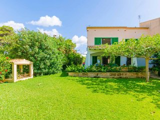 Spacious house a short walk away (98 m) from the 'Cala Blava' in Llucmajor with