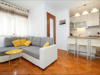 Spacious apartment in the center of Split with Internet, Washing machine, Balcon
