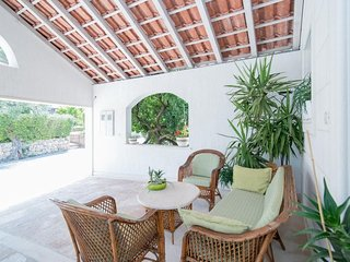 Spacious apartment in the center of Postira with Internet, Washing machine, Air