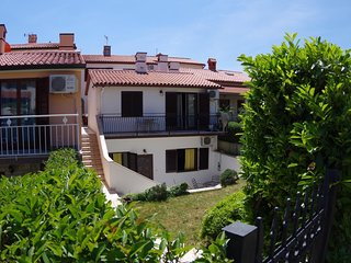 Cozy apartment close to the center of Pula with Internet, Washing machine, Air c