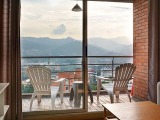 Spacious apartment in Medellin with Parking, Internet, Balcony, Garden