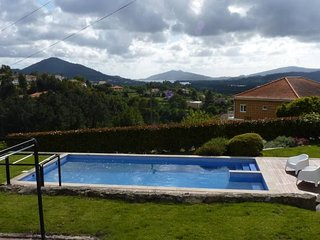 Spacious house in the center of Vila Nova de Cerveira with Parking, Washing mach