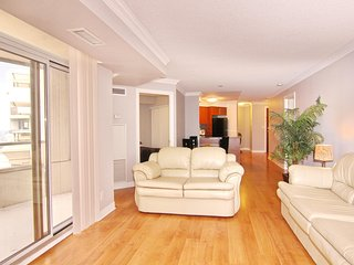 Cozy apartment in the center of Mississauga with Parking, Internet, Washing mach