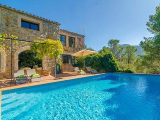 Spacious villa in Valldemossa with Internet, Washing machine, Pool, Terrace