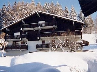 Spacious apartment close to the center of Megève with Parking, Terrace