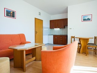 Cozy apartment in the center of Vis with Internet, Washing machine, Air conditio