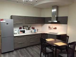 Cosy studio in the center of Dnepropetrovsk with Lift, Parking, Internet, Air co