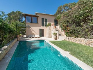 Spacious villa in Palma with Internet, Washing machine, Pool, Terrace