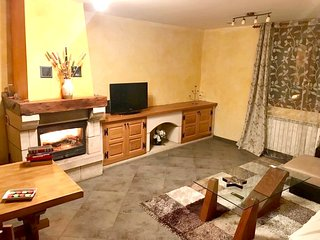 Spacious house in Estella with Parking, Washing machine, Terrace