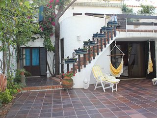 Spacious house in the center of Monte Gordo with Internet, Washing machine, Balc