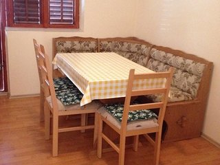 Spacious apartment in Sibenik with Parking, Internet, Air conditioning, Balcony