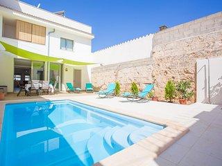 Spacious villa in Muro with Internet, Washing machine, Pool, Balcony