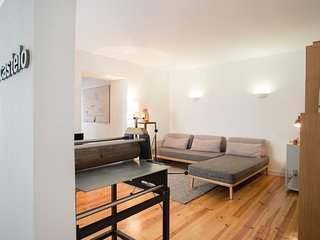 Spacious apartment in the center of Lisbon with Internet, Washing machine