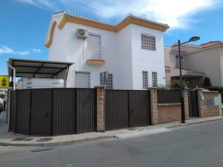 Spacious villa in Cullar Vega with Parking, Internet, Washing machine, Air condi