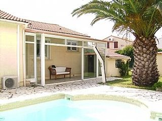 Spacious villa in the center of Latour-Bas-Elne with Parking, Internet, Washing