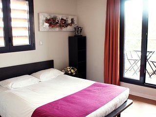 Cosy studio very close to the centre of Avignon with Lift, Internet, Air conditi