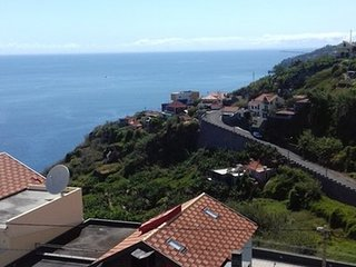 Cosy studio very close to the centre of Ribeira Brava with Parking, Internet, Wa