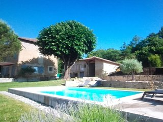 Cozy house in Romans-sur-Isère with Parking, Internet, Washing machine, Pool