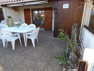 Cozy house in Gruissan with Parking, Washing machine, Terrace