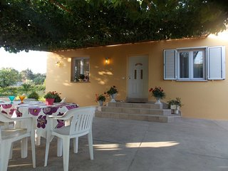 Cozy house in the center of Bibinje with Parking, Internet, Air conditioning, Ba