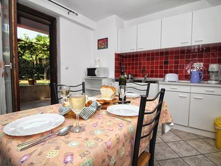Cozy apartment very close to the centre of Rovinj with Parking, Internet, Washin