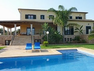 Spacious villa in Ses Salines with Parking, Internet, Washing machine, Air condi
